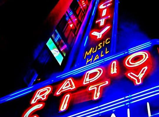 New York Christmas 2021 Events Christmas In New York City December 5 10 Or 12 17 Radio 570 Wnax