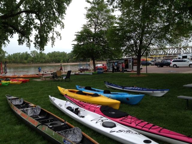 More Kayaks On Missouri River