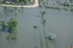mississippi river flooding disrupting grain movement radio 570 wnax
